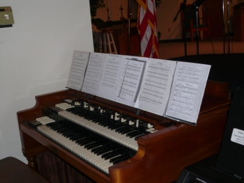 Hammond Organ extra wide music stand