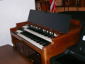 Hammond B3 extra wide music stand